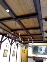 Потолок кесонный из натурального дерева